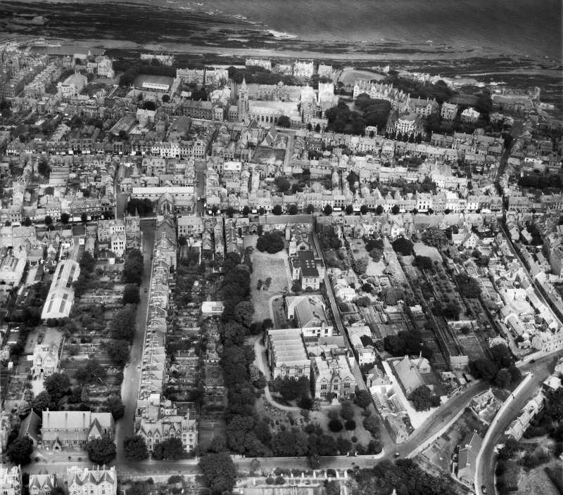 St Andrews, general view, showing Queen's Gardens and South Street.  Oblique aerial photograph taken facing north.