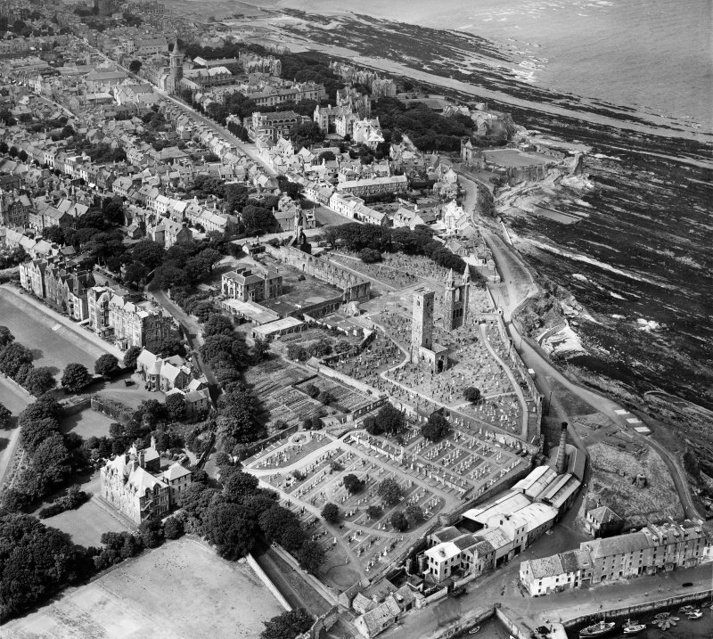 St Andrews, general view, showing St Andrews Cathedral and St Andrews Castle.  Oblique aerial photograph taken facing north-west.