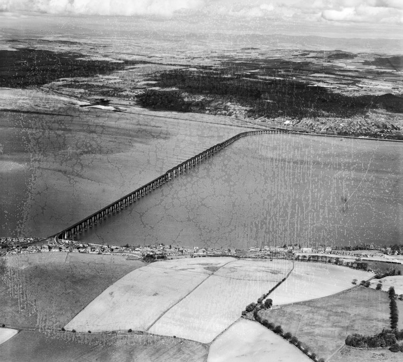 Tay Bridge, Dundee.  Oblique aerial photograph taken facing north-west.  This image has been produced from a damaged negative.
