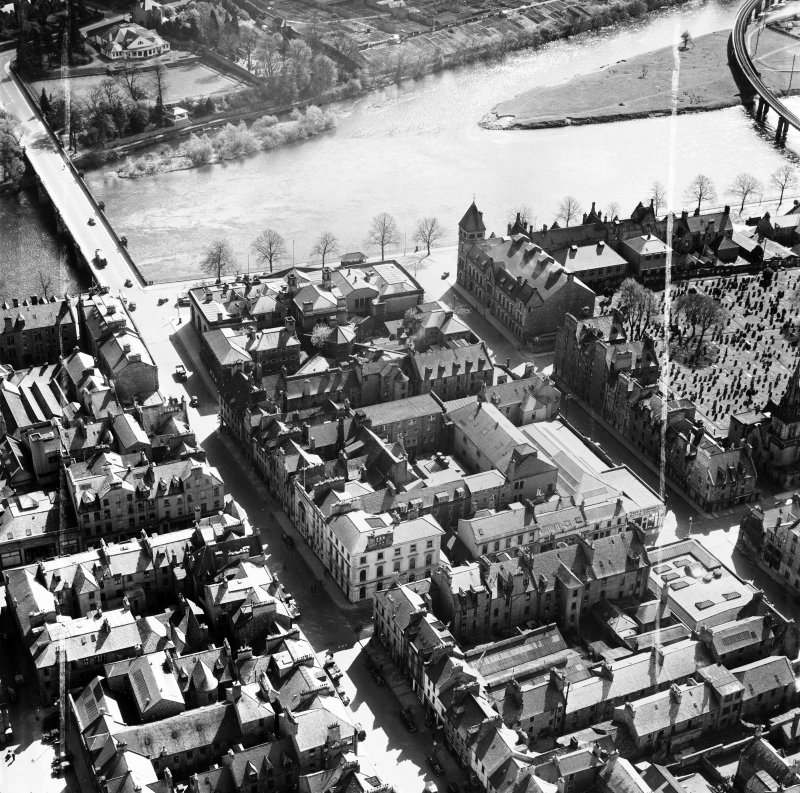 Perth, general view, showing Salutation Hotel, South Street and Queen's Bridge.  Oblique aerial photograph taken facing south-east.  This image has been produced from a crop marked negative.