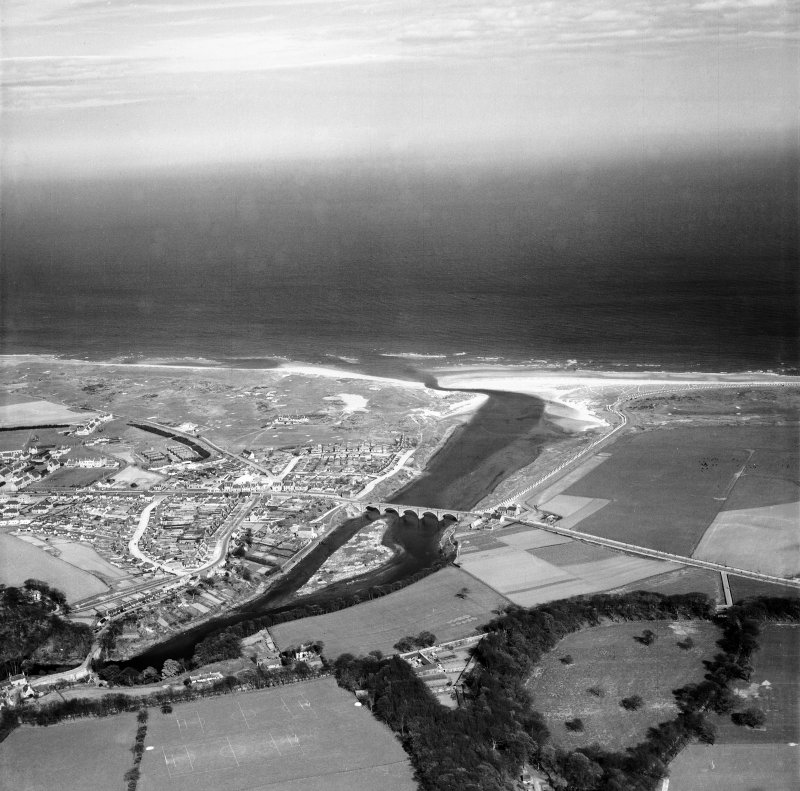 Aberdeen, general view, showing Bridge of Don and Balgownie Links Golf Course.  Oblique aerial photograph taken facing east.