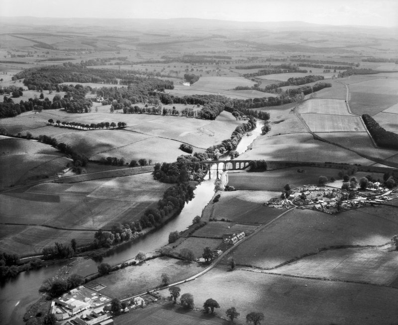 Roxburgh Viaduct and River Teviot.  Oblique aerial photograph taken facing south.
