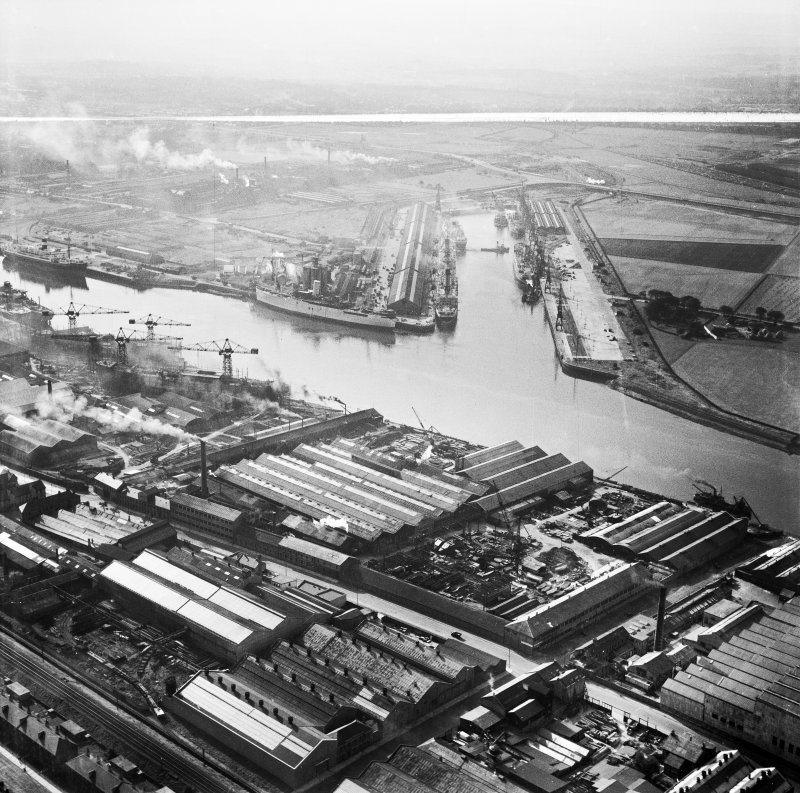 Mechans Ltd. Scotstoun Ironworks, South Street and King George V Dock, Glasgow.  Oblique aerial photograph taken facing south.  This image has been produced from a crop marked negative.
