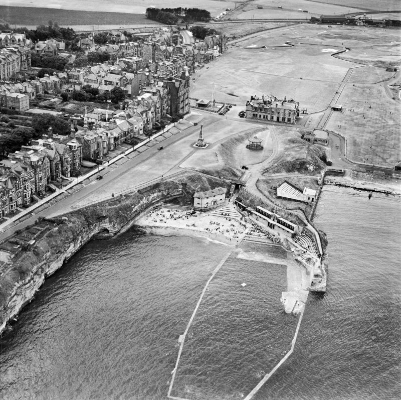Step Rock Bathing Pool and Royal and Ancient Golf Club, St Andrews.  Oblique aerial photograph taken facing west.