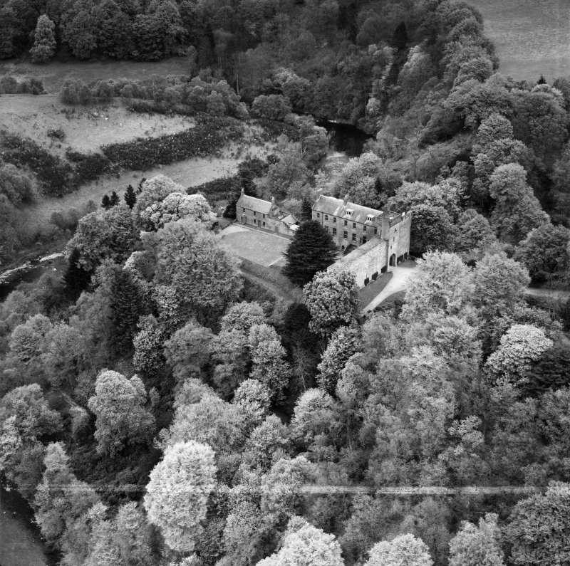 Airlie Castle.  Oblique aerial photograph taken facing north.  This image has been produced from a crop marked negative.