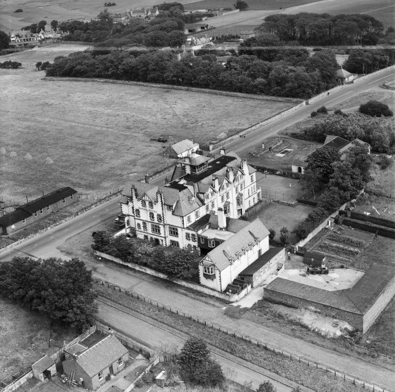 Marine Hotel, Main Street, Gullane.  Oblique aerial photograph taken facing north.  This image has been produced from a crop marked negative.