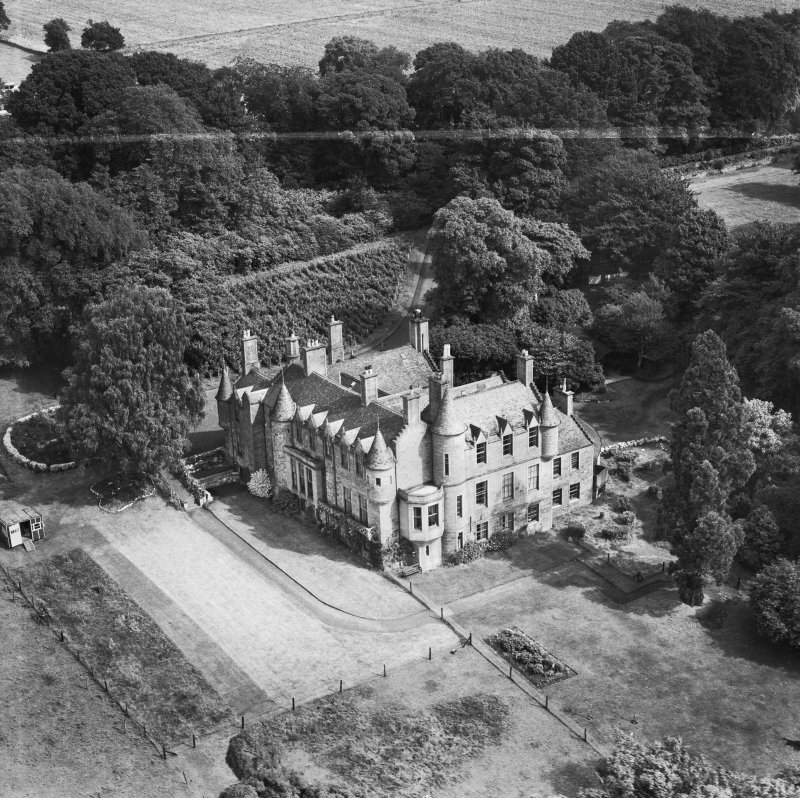 Invergowrie House, Ninewells, Dundee.  Oblique aerial photograph taken facing north-east.  This image has been produced from a crop marked negative.