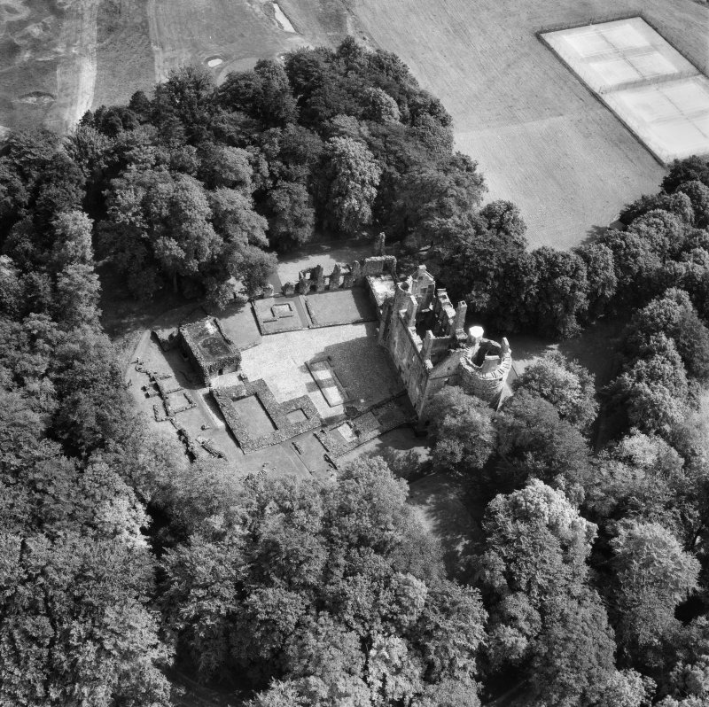 Huntly Castle.  Oblique aerial photograph taken facing south-east.
