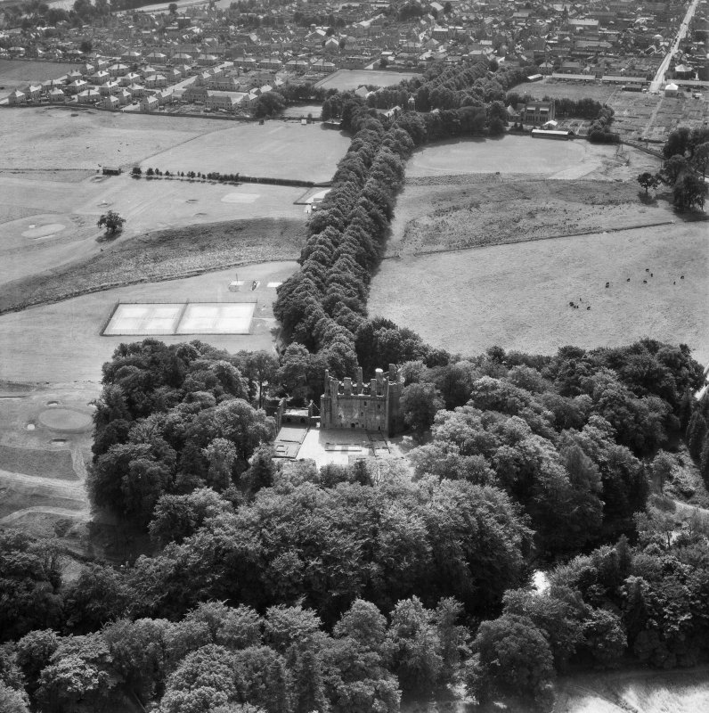 Huntly Castle.  Oblique aerial photograph taken facing south.