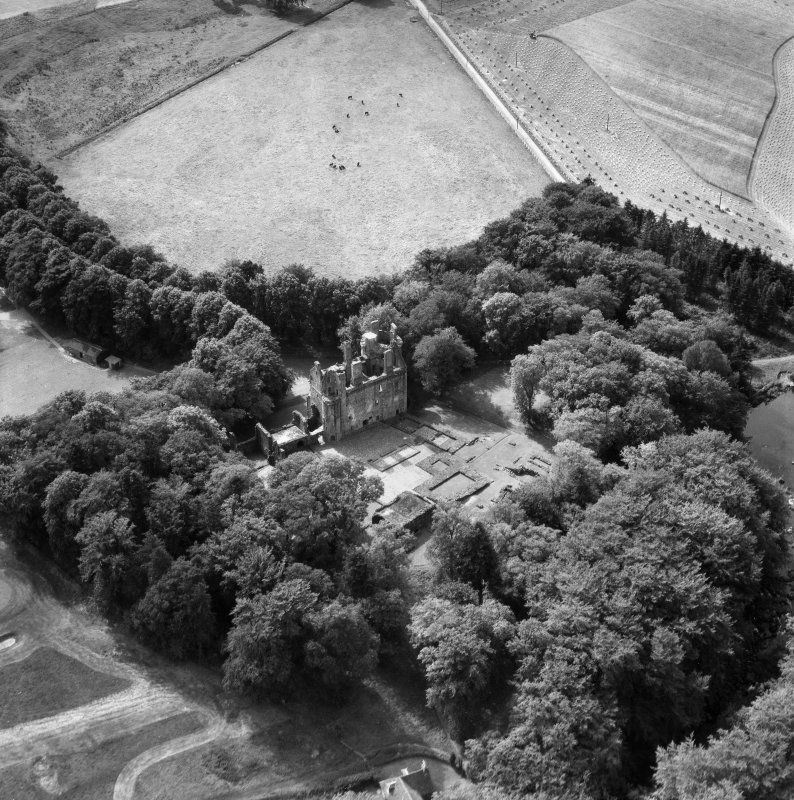 Huntly Castle.  Oblique aerial photograph taken facing south-west.