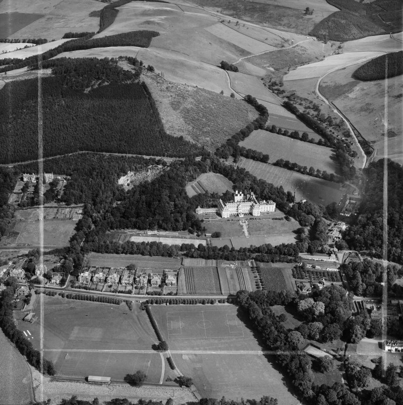 Hydropathic Hotel, Innerleithen Road and Ven Law, Peebles.  Oblique aerial photograph taken facing north.  This image has been produced from a crop marked negative.