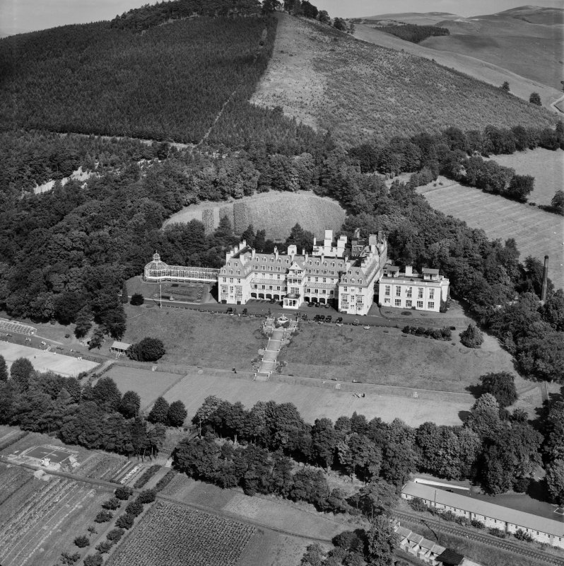 Hydropathic Hotel, Innerleithen Road, Peebles.  Oblique aerial photograph taken facing north.