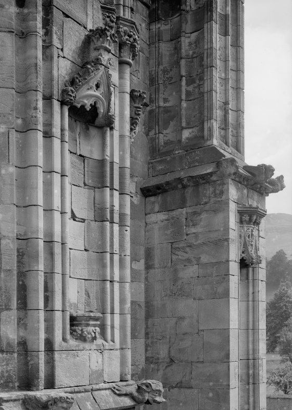 Detail of S transept staircase buttress.