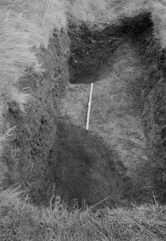 Woden Law, native fort and Roman investing works: excavation photograph. I A Richmond: division in ditches (gang-work). Undated.