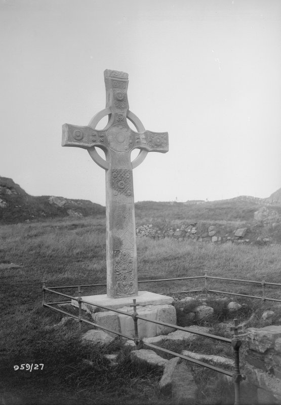 Iona, St John's Cross. General view.