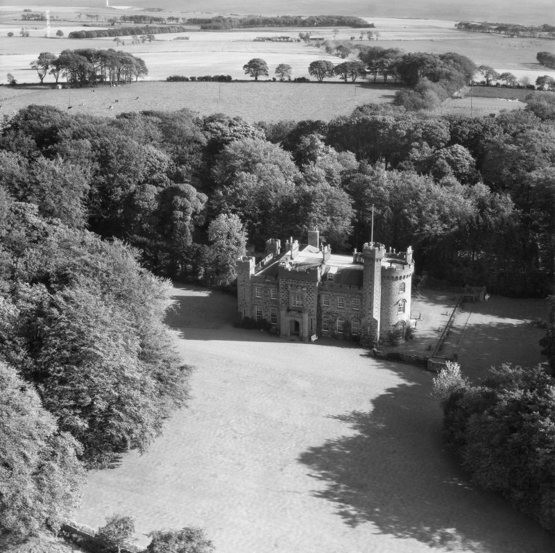 Dunninald Castle, Montrose.  Oblique aerial photograph taken facing north-east.