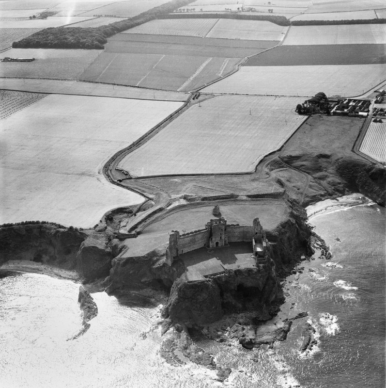 Tantallon Castle, North Berwick.  Oblique aerial photograph taken facing west.