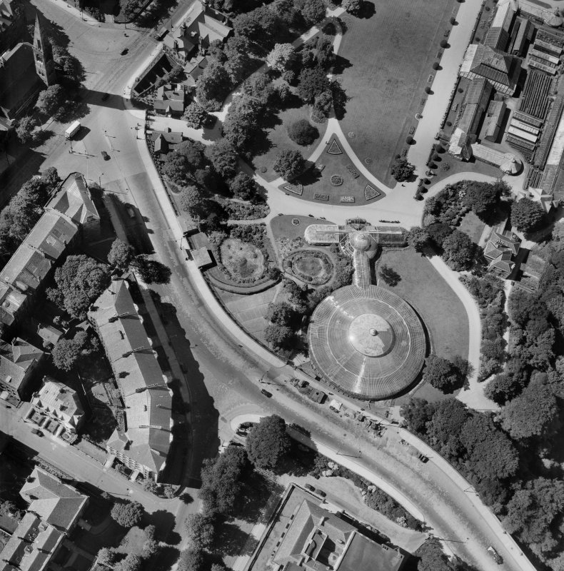 Kibble Palace, Botanic Gardens, Glasgow.  Oblique aerial photograph taken facing west.