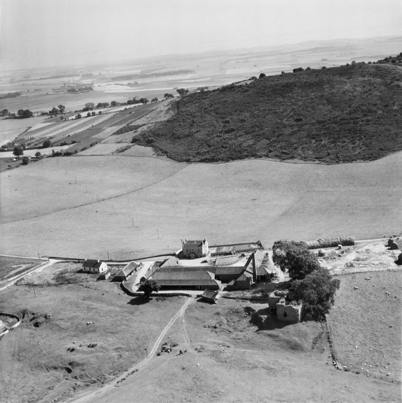 Cruivie Castle and Farm, Logie.  Oblique aerial photograph taken facing south.