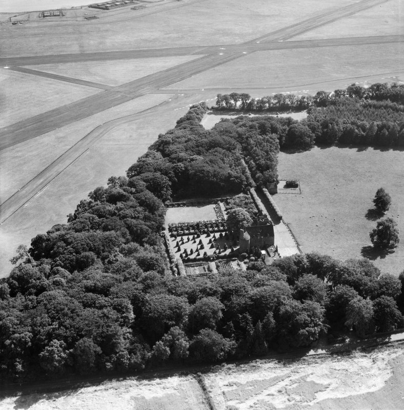 Earlshall, Leuchars.  Oblique aerial photograph taken facing south.