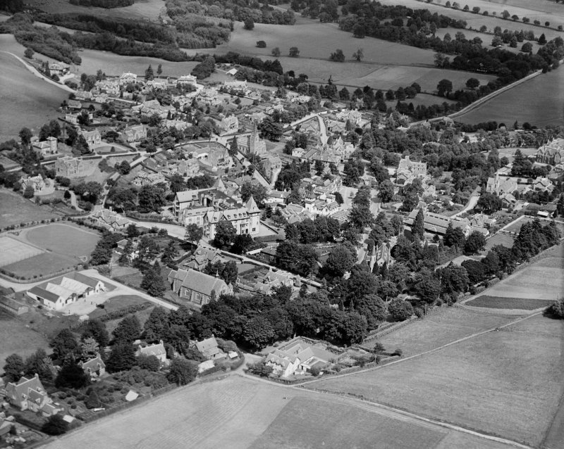 Strathpeffer, general view, showing Strathpeffer Free Church and Highland Hotel.  Oblique aerial photograph taken facing north.
