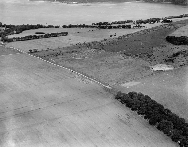 Cromarty House Estate.  Practice trenches.  Oblique aerial photograph taken facing north.
