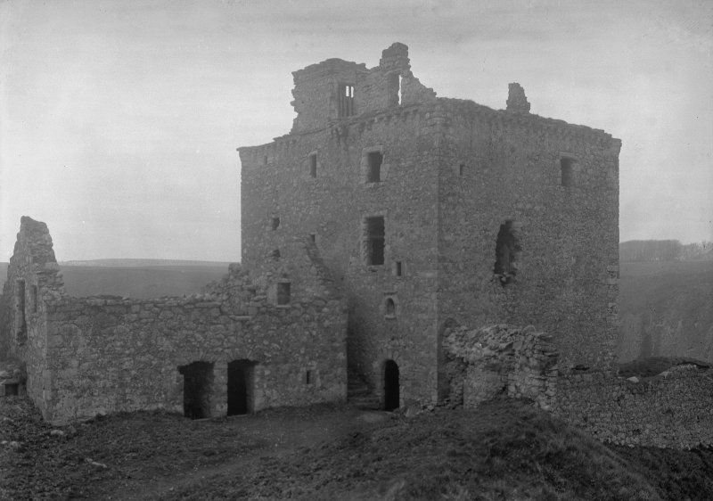 General view of tower from the 'Mount Heid'.