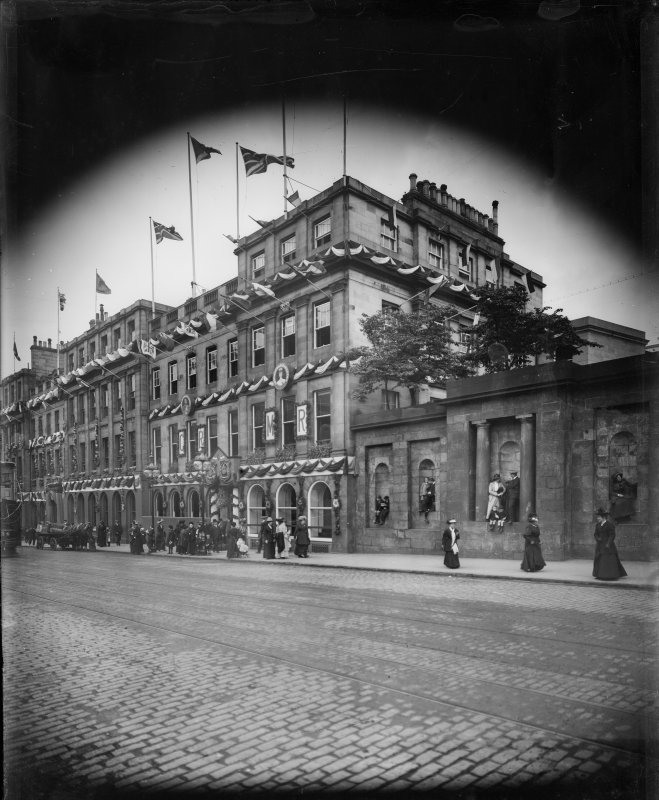 "South elevation of Gas ""Commissioners"" Offices decorated for the coronation of George V, 25 Waterloo Place, Edinburgh."