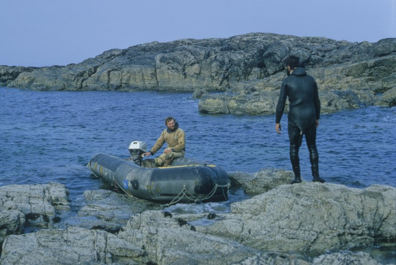 Tony Long (in boat) and Colin Martin prepare to set out from Cliad. Most of the survey and excavation was conducted by these two diving archaeologists in 1972 and 1974.