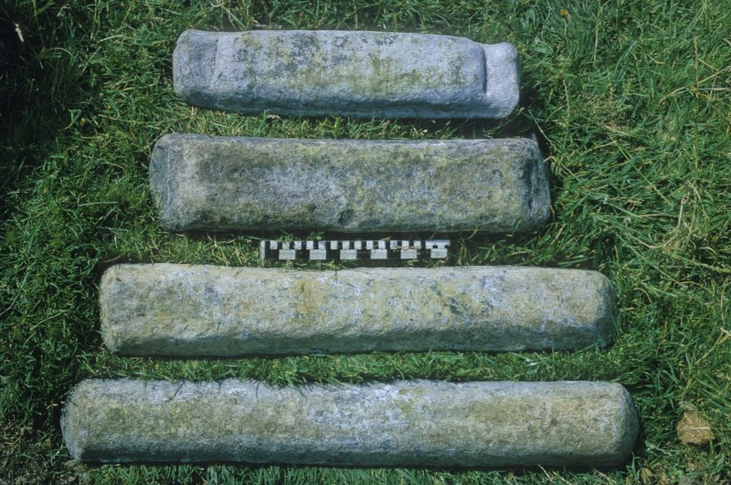 The four lead-ingot types (upper sides). Scale in inches and centimetres.
