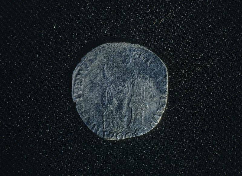 Obverse of a silver 1-guilder coin of the United Provinces, dated 1706.