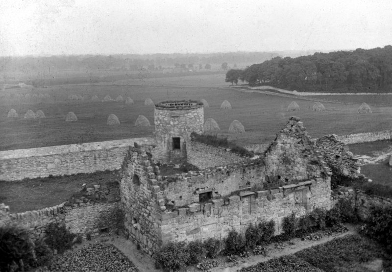 Chapel - view from South West from keep of Craigmillar Castle.
