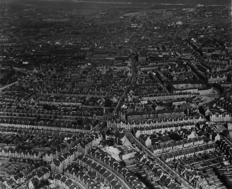 Aberdeen, general view, showing Rosemount Place and Belgrave Terrace.  Oblique aerial photograph taken facing east.  This image has been produced from a print.