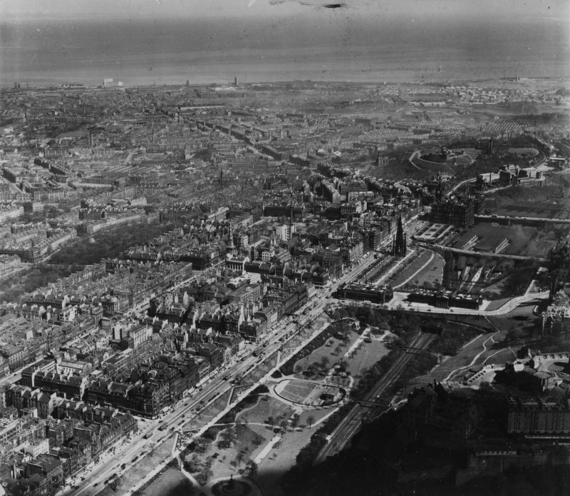 Edinburgh, general view, showing Princes Street and Leith Walk.  Oblique aerial photograph taken facing north-east.  This image has been produced from a print.
