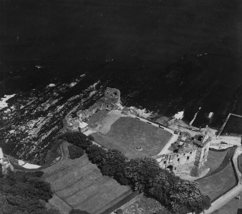 St Andrews Castle.  Oblique aerial photograph taken facing east.  This image has been produced from a print.