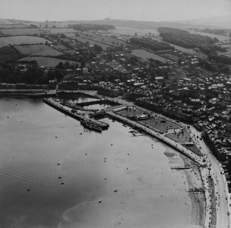 Rothesay, general view, showing Winter Gardens and Serpentine Road, Isle of Bute.  Oblique aerial photograph taken facing south-east.  This image has been produced from a print.