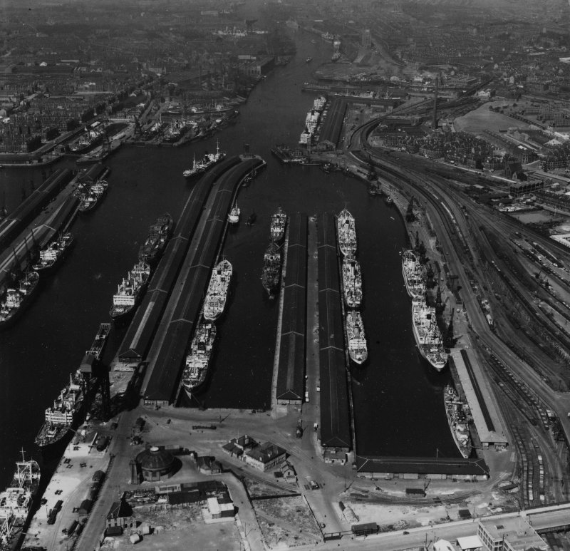 Queen's Dock, Glasgow.  Oblique aerial photograph taken facing west.  This image has been produced from a print.