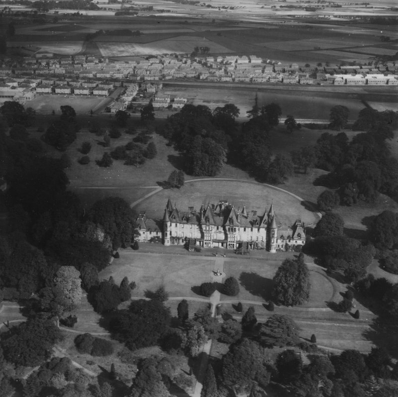 Callendar House and Park, Falkirk.  Oblique aerial photograph taken facing north.  This image has been produced from a print.