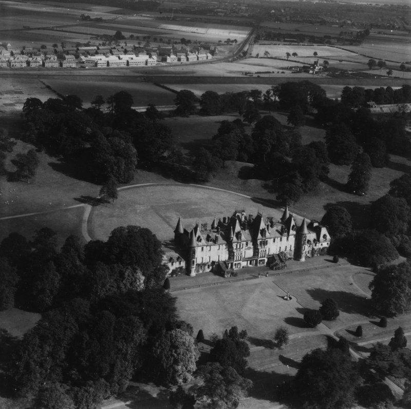 Callendar House and Park, Falkirk.  Oblique aerial photograph taken facing north-east.  This image has been produced from a print.