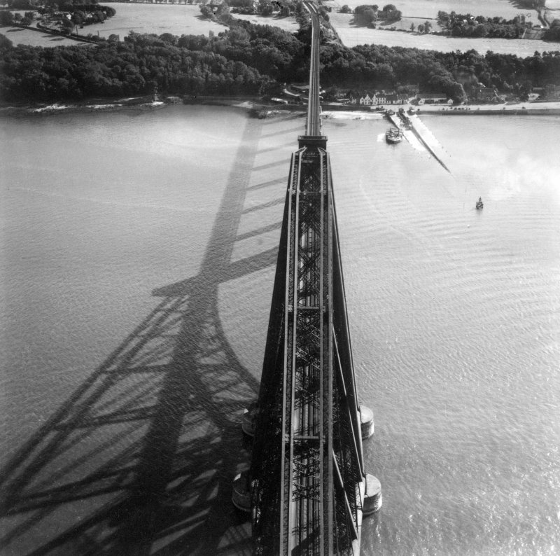 Forth Rail Bridge and Hawes Pier, South Queensferry.  Oblique aerial photograph taken facing south.  This image has been produced from a print.