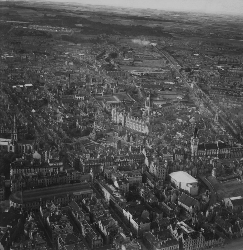 Aberdeen, general view, showing University of Aberdeen Marischal College and Aberdeen Market.  Oblique aerial photograph taken facing north.  This image has been produced from a print.