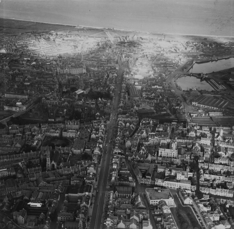 Aberdeen, general view, showing Union Street and University of Aberdeen Marischal College.  Oblique aerial photograph taken facing north-east.  This image has been produced from a print.