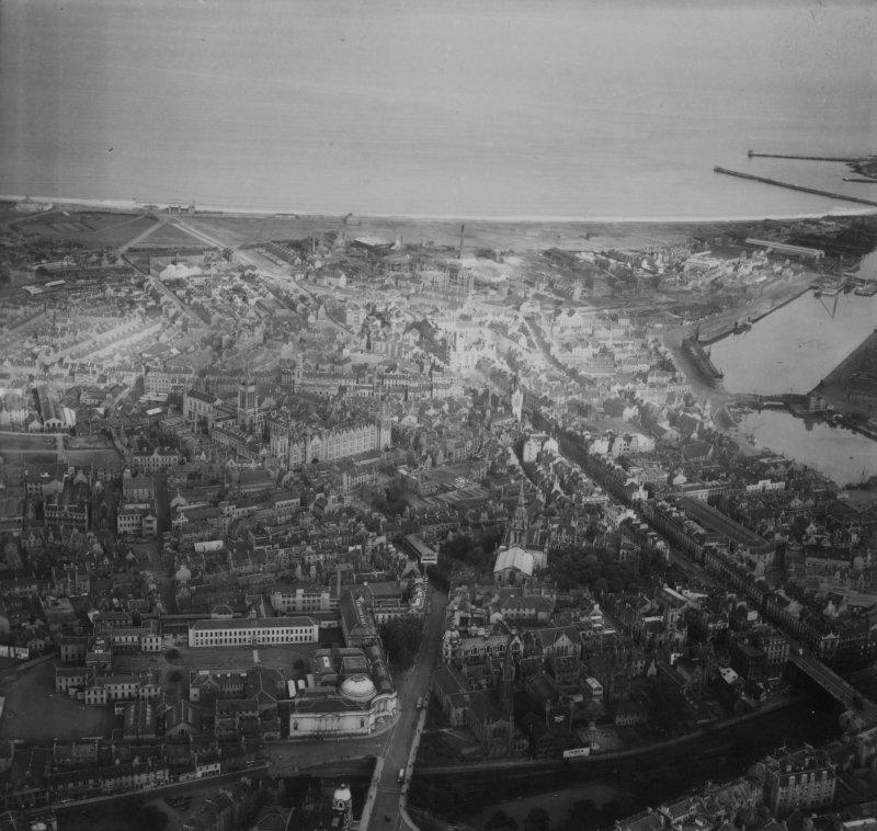 Aberdeen, general view, showing St Kirk of St Nicholas, Union Street and University of Aberdeen Marischal College.  Oblique aerial photograph taken facing east.  This image has been produced from a print.