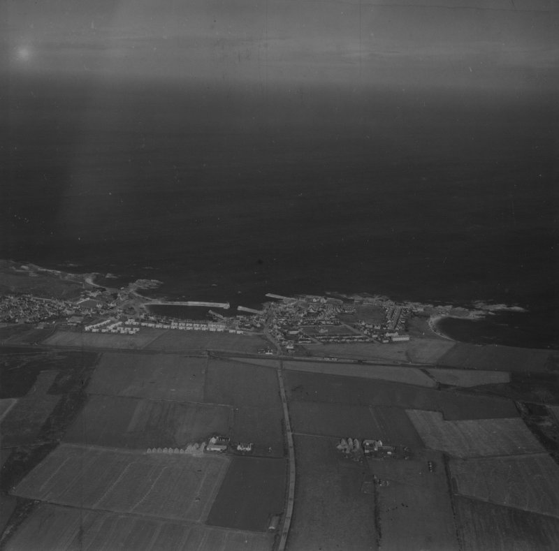Findochty, general view.  Oblique aerial photograph taken facing north-west.  This image has been produced from a print.