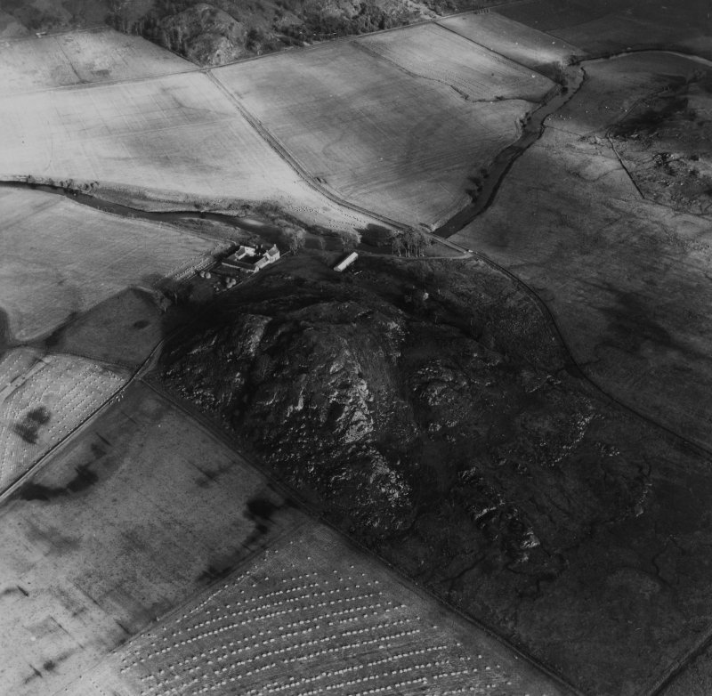 Dunadd, Kilmichael Glassary.  Oblique aerial photograph taken facing east.  This image has been produced from a print.