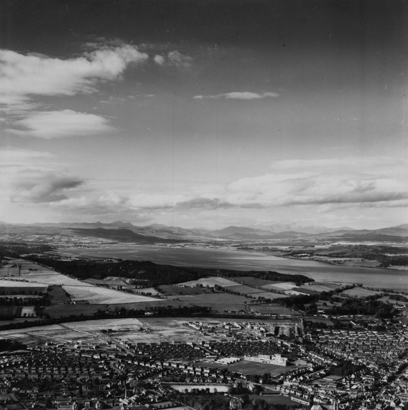 Inverness, general view, showing Inverness High School, Montague Row and Beauly Firth.  Oblique aerial photograph taken facing west.  This image has been produced from a print.