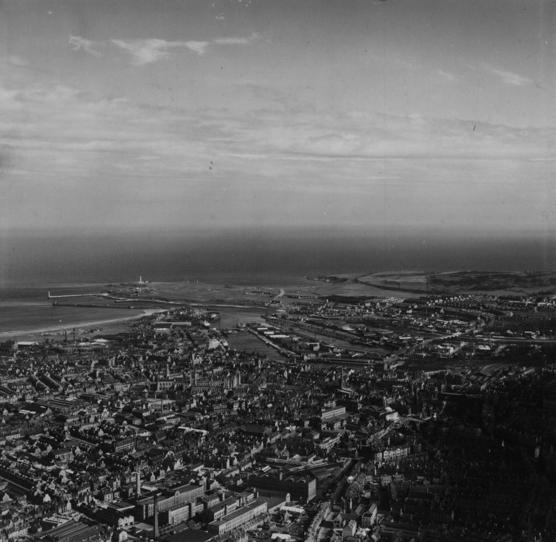 Aberdeen, general view, showing Broadford Works and Aberdeen Harbour.  Oblique aerial photograph taken facing south-east.  This image has been produced from a print.