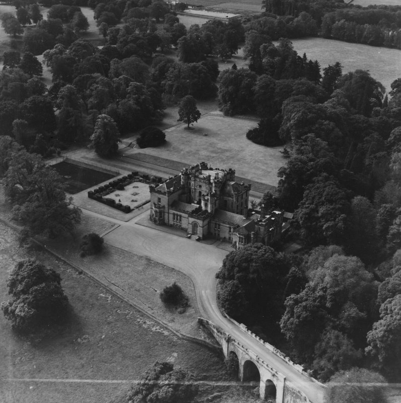 Oxenfoord Castle School, Pathhead.  Oblique aerial photograph taken facing south.  This image has been produced from a crop marked print.