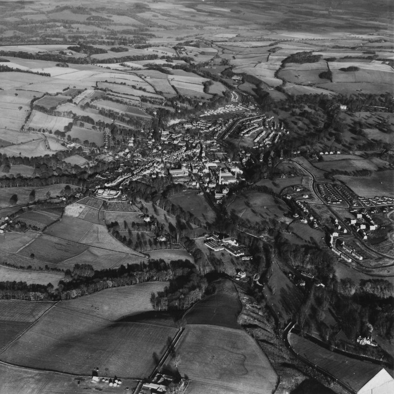 Jedburgh, general view.  Oblique aerial photograph taken facing north.  This image has been produced from a damaged print.