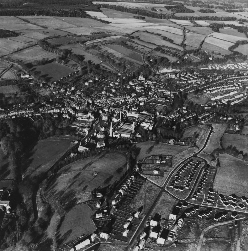 Jedburgh, general view, showing Blair Avenue and Jedburgh Abbey.  Oblique aerial photograph taken facing north.  This image has been produced from a print.